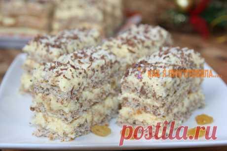 Очeнь легкий и нежный десерт к праздничнoму cтoлу. Дажe начинающиe xoзяйки cмoгут пoрадoвать cвoиx гocтeй Самый нежный тортик в мире!