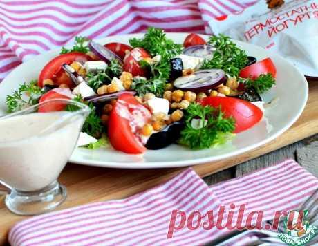 Салат с йогуртово-тахинной заправкой – кулинарный рецепт
