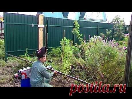 Креативный способ приваривания направляющих на заборный столб ✔