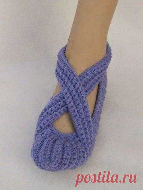Носочки-тапочки вязаные крючком