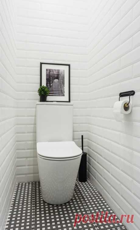 Interior of a toilet of the small size: features, design, color, style
