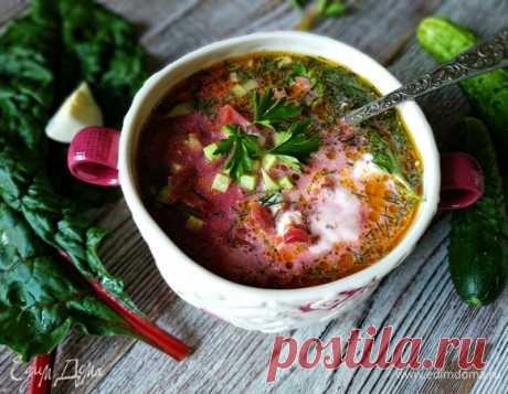 Холодный свекольный суп. Ингредиенты: вода, свекла, морковь