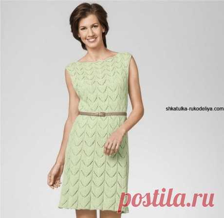 Салатовое ажурное платье спицами на лето