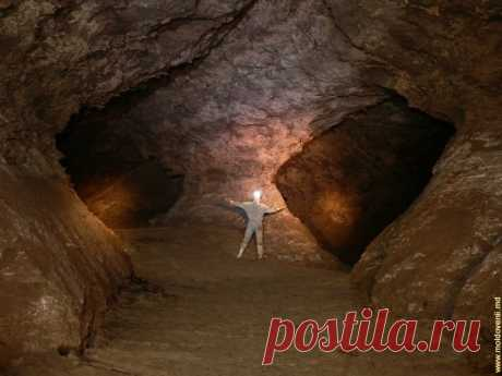 Откройте Молдову: Пещера «Емил Раковицэ» - занимает 7-е место в мире среди гипсовых пещер