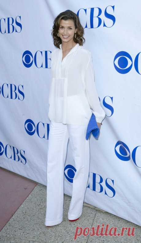 White shirt female \/ Real Fashion\/fashion house