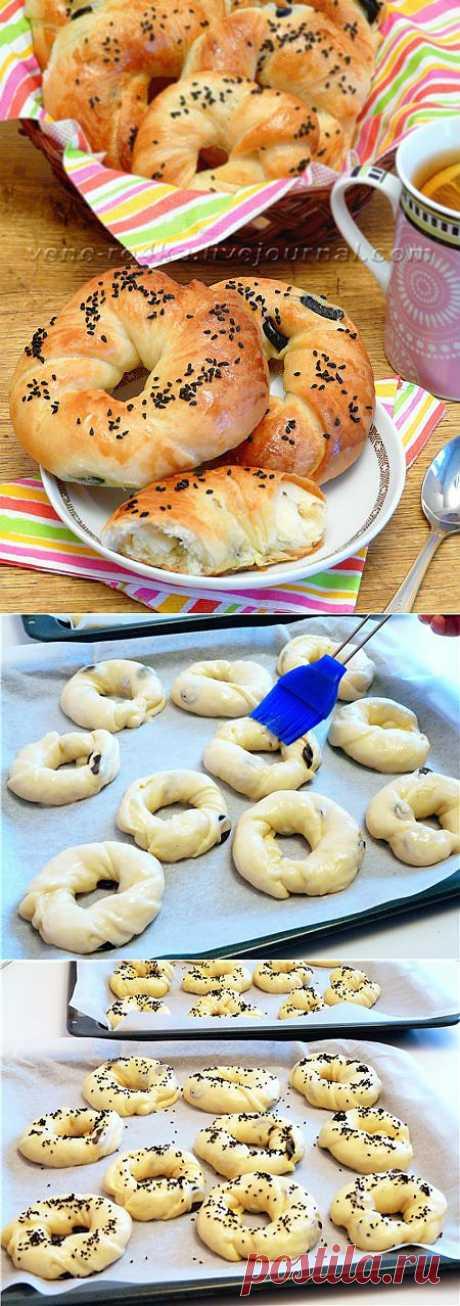 Ачма - турецкие булочки. Замечательные, вкусные, нежные, мягкие булочки с маслинами. Идеально на завтрак, заворачивать на работу - чайку попить, детишкам в школу перекус.