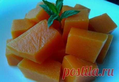Рецепт тыквы в сиропе, которая напоминает консервированный ананас!  Очень вкусный рецепт тыквы, которая напоминает по вкусу консервированный ананас. Объяснить причину такой метаморфозы сложно, но попробовать стоит однозначно. Тыкву лучше всего покупать мускатную. Име…