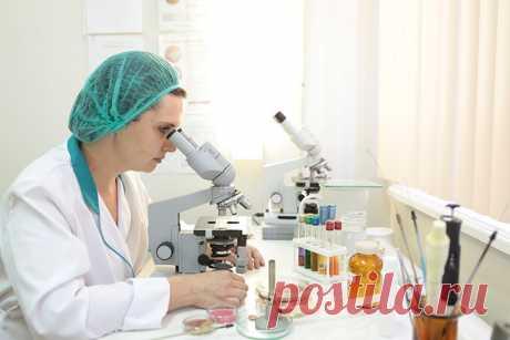 Процесс диагностирования Лаборант берет с помощью специального шпателя образец буккального эпителия (мазок с внутренней стороны щеки); Полученный образец помещается под микроскоп; Далее подключается микроэлектрофорезная ловушка; Используя ноутбук и специальное программное обеспечение, данные передаются в центр обработки. В центре данные обрабатываются согласно запатентованным алгоритмам, основанным на методике Luven Medical. Обработка проходит автоматически, но под контролем группы ученых.