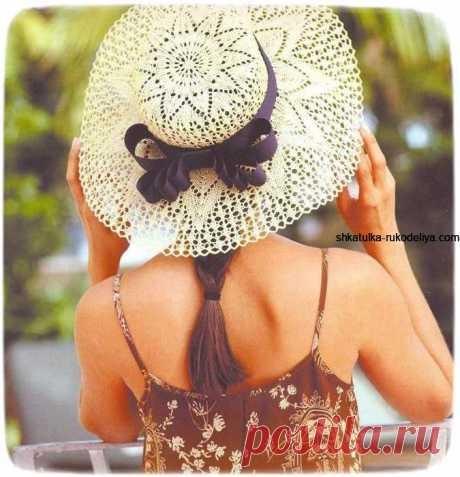 Очаровательная шляпка с широкими полями Очаровательная шляпка с широкими полями. Летняя шляпа связанная на спицах схемы Пряжа(100% хлопок) примерно 100мм. спицы 3,25мм обоюдоострые и круговые длинной 60 или 80 см. крючок 2,5мм. Плотность…