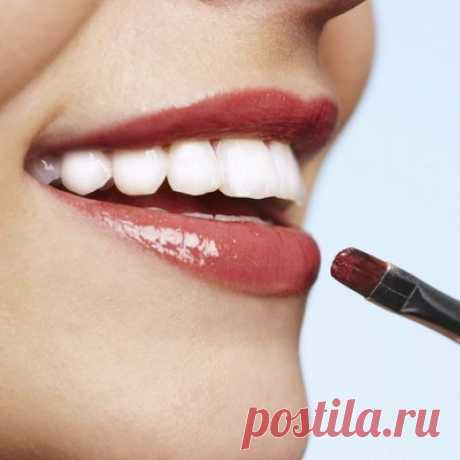 | Lovely Ya A you know 7 tricks of a make-up for seductive lips how it is correct to make up lips? Seven tricks of a make-up will help to make lipstick of the most resistant, and a lip gloss - not sticky. Alyona Averkina the byyuti-blogger of www.little-beatle.com the Maximum firmness That not to worry all day about firmness of bright lipstick, put it correctly. For a start cover lips with a thin layer of a concealer and accurately lead round a contour of lips the pencil suitable on color lipstick. For maximum...