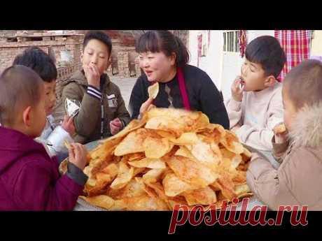 1 кг картофеля, это любимая детская, спешка кушать за столом! !
