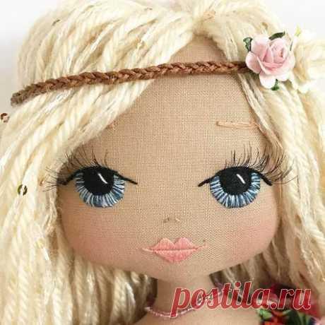 Ideias de cabelo de boneca Veja online Ideias de cabelo de boneca Ideias de cabelo de boneca Inspire-se neste lindos cabelos de boneca para embelezar ainda mais as suas criações. Gostou da Ideias ...
