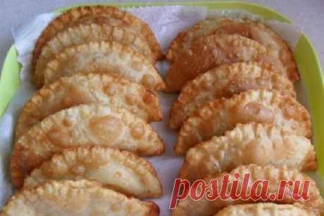 Como preparar las empanadillas más sabrosas y jugosas - la receta, los ingredientes y las fotografías