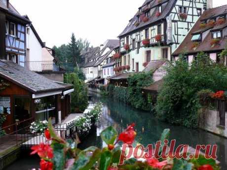 Эльзас - регион на северо-востоке Франции, граничащий с Германией и Швейцарией. Столицей Эльзаса явл