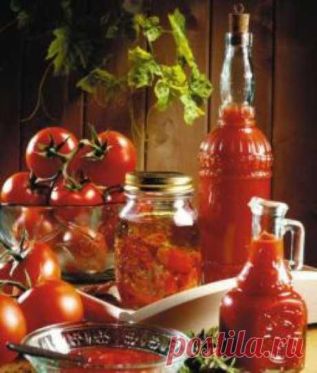 Томатный соус к мясу. Смешать все ингредиенты вмести и добавить  уксус, соль и сахар. Оставить соус на сутки для  настаивания, а затем разлить в баночки и  хранить в холодильнике.