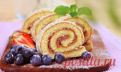 Классический бисквитный рулет который ВСЕГДА получается! Вкуснейшие рецепты бисквитного рулета: со сгущенкой, со сливочным кремом, с повидлом, с бананом, с авокадо, шоколадный. Как правильно хранить бисквит