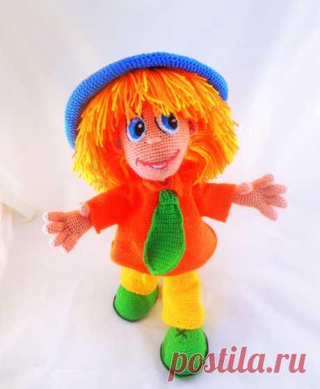PDF Незнайка крючком. FREE crochet pattern; Аmigurumi doll patterns. Амигуруми схемы и описания на русском. Вязаные игрушки и поделки своими руками #amimore - большая кукла, куколка, мальчик, персонаж мультфильма.