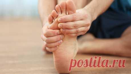 Выполняю простые упражнения для профилактики косточки на ногах и суставов пальцев ног Приветствую на канале дорогие читатели, всем известно, что за состоянием суставов на ногах и пальцах ног нужно следить, и профилактировать появление проблем с ними, так как из-за ношения неудобной обуви, высокой нагрузки на стопу и даже наследственности могут появляться различные нарушения — самые частые — это вальгусная деформация стопы или как её ещё часто называют→ Читай дальше на сайте. Жми подробнее ➡