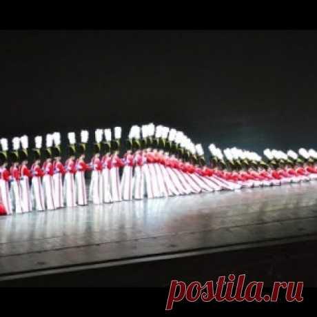 Девушки своим необыкновенным танцевальным исполнением потрясли весь мир. The Rockettes - танец щелкунчиков