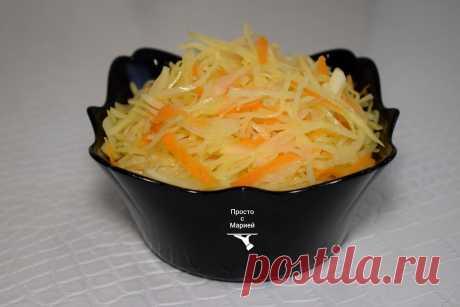Нашла рецепт капустного салата, как в советской столовой. Оказывается, его надо греть на плите | Просто с Марией | Яндекс Дзен