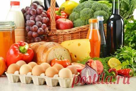 """Какие блюда поддержат иммунитет во время авитаминоза?   Журнал """"JK"""" Джей Кей Кажется, холодное время года не оставляет нам ни малейшего шанса на присутствие витаминов в пище. Да и откуда им взяться, если до свежего урожая овощей и фруктов еще далеко? Но это только на первый взгляд. Идеи, из чего приготовить полезные блюда для укрепления здоровья, лежат буквально на поверхности. Предлагаем поговорить о витаминах на тарелке, которые можно найти в период авитаминоза."""