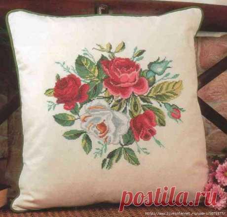 Вышивка для подушки с розами