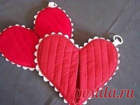 Kitchen tack in the form of heart