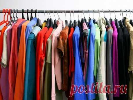 Цвет одежды подням недели: как одеваться, чтобы привлечь удачу Цвет влияет на энергетику человека, поэтому к выбору оттенка одежды нужно подойти ответственно. Используя определенные цвета, вы сможете привлекать удачу каждый день.