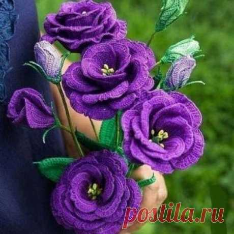 Роскошные вязаные цветы. Какая же это кропотливая работа!
