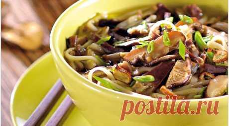 Ароматный суп для семейного обеда в холодный день! С куриными желудками, шиитаке и печеным чесноком — Фактор Вкуса