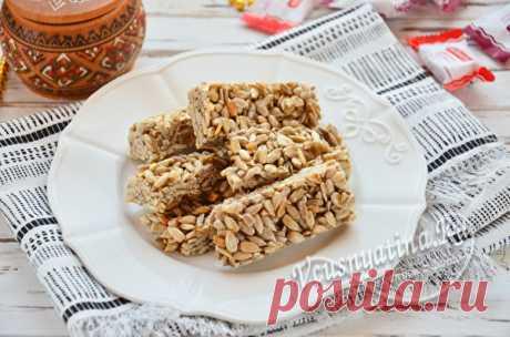 Козинаки из семечек в домашних условиях: рецепт с фото Рецепт с фото по приготовлению вкусных козинаков из семечек в домашних условиях. Десерт готовится легко, и получается таким же, как в детстве.