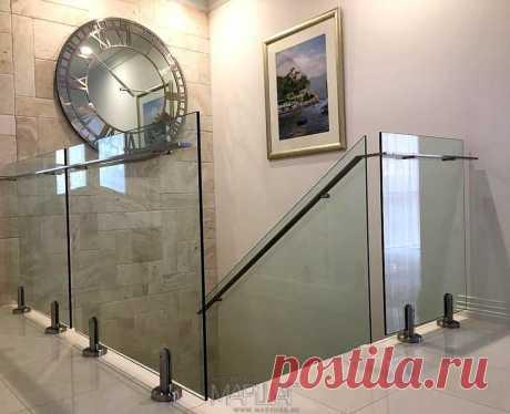 Изготовление лестниц, ограждений, перил Маршаг – Самонесущие стеклянные перила на стойках
