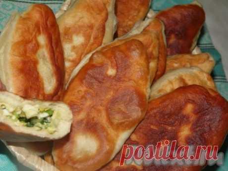 Жареные пирожки с зелёным луком и яйцом - 7 пошаговых фото в рецепте