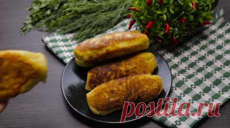 Отличная идея для быстрого завтрака или перекуса в течение дня: сосиски в картофельном тесте. Готовить их очень просто, а результат всегда потрясающий. Вкусную и сытную закуску обожают и взрослые, и дети. Картофельное тесто нежное, мягкое, с хрустящей корочкой: просто тает во рту.
