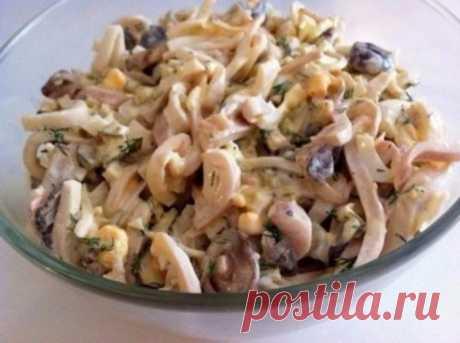Салат из кальмаров с грибами на новогодний стол - Простые рецепты Овкусе.ру