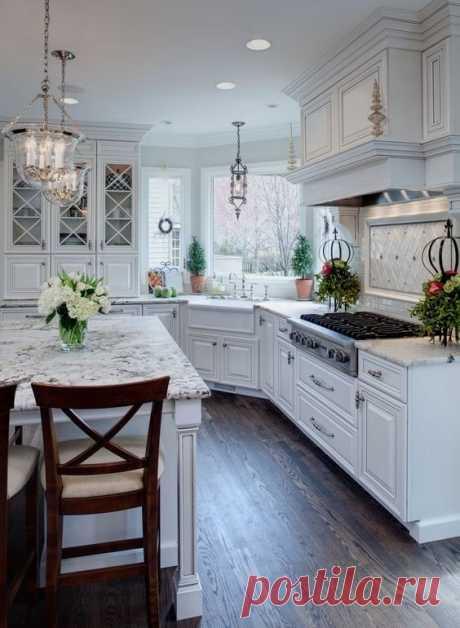 Кухни в белых тонах