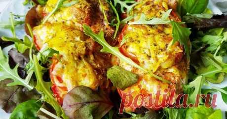 Грудка получается очень нежная и сочная с приятным восточным вкусом. Подавать лучше всего с зеленью микс. Не требует дополнительных гарниров. Но это по желанию.🤗🍷 #люблюмясо #нежнаягрудка #домашняякухня