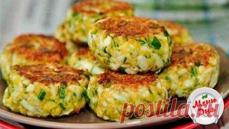 Вкусные яичные котлеты — пальчики оближешь   Ингредиенты:  ●Яйца куриные варёные — 6 шт. ●Лук зелёный — 1 пучок ●Манная крупа — 2 ст.л. ●Мука — 1 ст.л. ●Сметана — 1 ст.л. ●Укроп — 1 пучок ●Масло растительное для жарки — 2 ст.л. ●Соль — по вкусу  Приготовление: Варёные яйца натираем на крупной тёрке в глубокую миску. Туда же кладём мелко нарезанные укроп и зелёный лук. Всыпаем муку и манную крупу. Солим и добавляем сметану. Тщательно вымешиваем. Из полученной массы влажными...