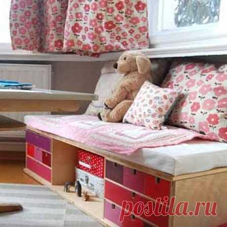 crib, made of two cheapest komodik