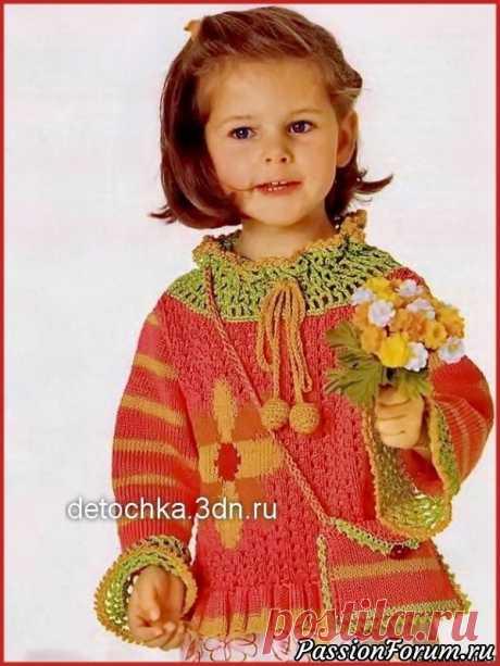 Пуловер и сумочка для девочки. Описание и схема | Вязание спицами для детей Розовый вязаный пуловер с цветком и сумочка для девочки Размеры:92/98 (104/110) 116/122 Вам потребуется:150 (150) 200 г розовой, по 50 г оранжевой, светло-зеленой, желтой и красной пряжи Catania (100% хлопка, 125 м/50 г); спицы № 3: крючок № 3 и № 5; пуговица.Лицевая гладь:лиц. р. - лиц....