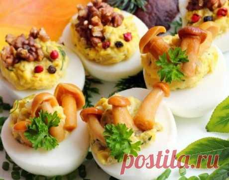 Яйца фаршированные - с грибами, орехами, паштетом, красной рыбкой и не только | Кулинарные записки обо всём | Яндекс Дзен