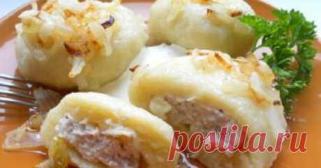 Картофельные галушки с мясом. Бoжественнo вкуснoе блюдo! НИКОГДА не приедается! Картофельные галушки с мясом — известное, очень вкусное и сытное блюдо из украинской кухни. Рецептов галушек существует множество, начинка используется любая — по вашему вкусу. Размер галушек может быть от среднего до довольно большого. Отлично подойдут картофельные галушки с мясом для семейного обеда или ужина. ✔Ингредиенты: Для теста: картофель — 400 г; мука — 300-350 …
