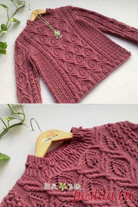 Очень красивый свитер с интересными узорами