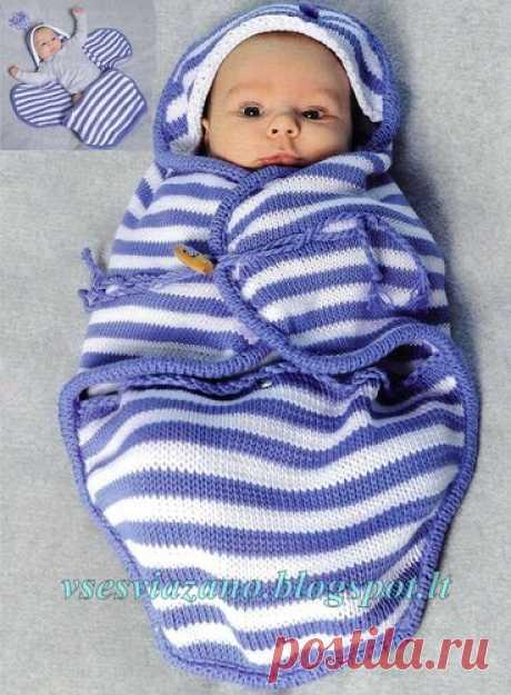 Вязаный нарядный конверт для младенца.