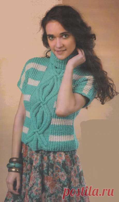 Короткий пуловер спицами | Все-Вязание Вязаный короткий пуловер спицами. Новый любимец в повседневном гардеробе - короткий пуловер в полоску. Все взгляды здесь прикованы к искусно переплетенному узору из ромбов.