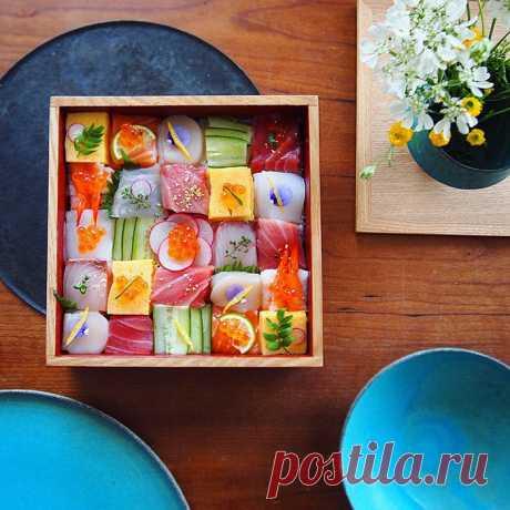 Японская модная тенденция – мозаика из суши