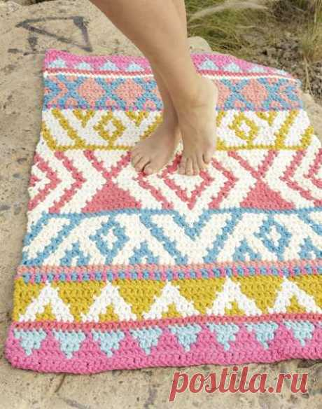 Два коврика и корзинка крючком - имитация тканого полотна