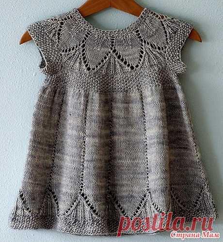 летнее платье с ажурной кокеткой для девочки спицами