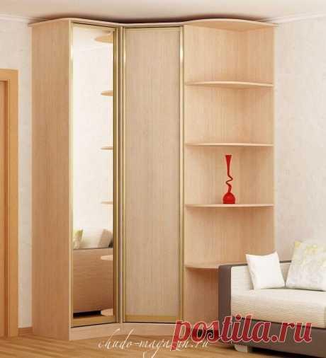 Угловой двухдверный распашной шкаф в стиле минимализма: зеркала, тонированные стекла, цветные стекла, фотопечать, пескоструй