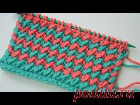 Шикарный двухцветный узор спицами / вяжется очень легко.